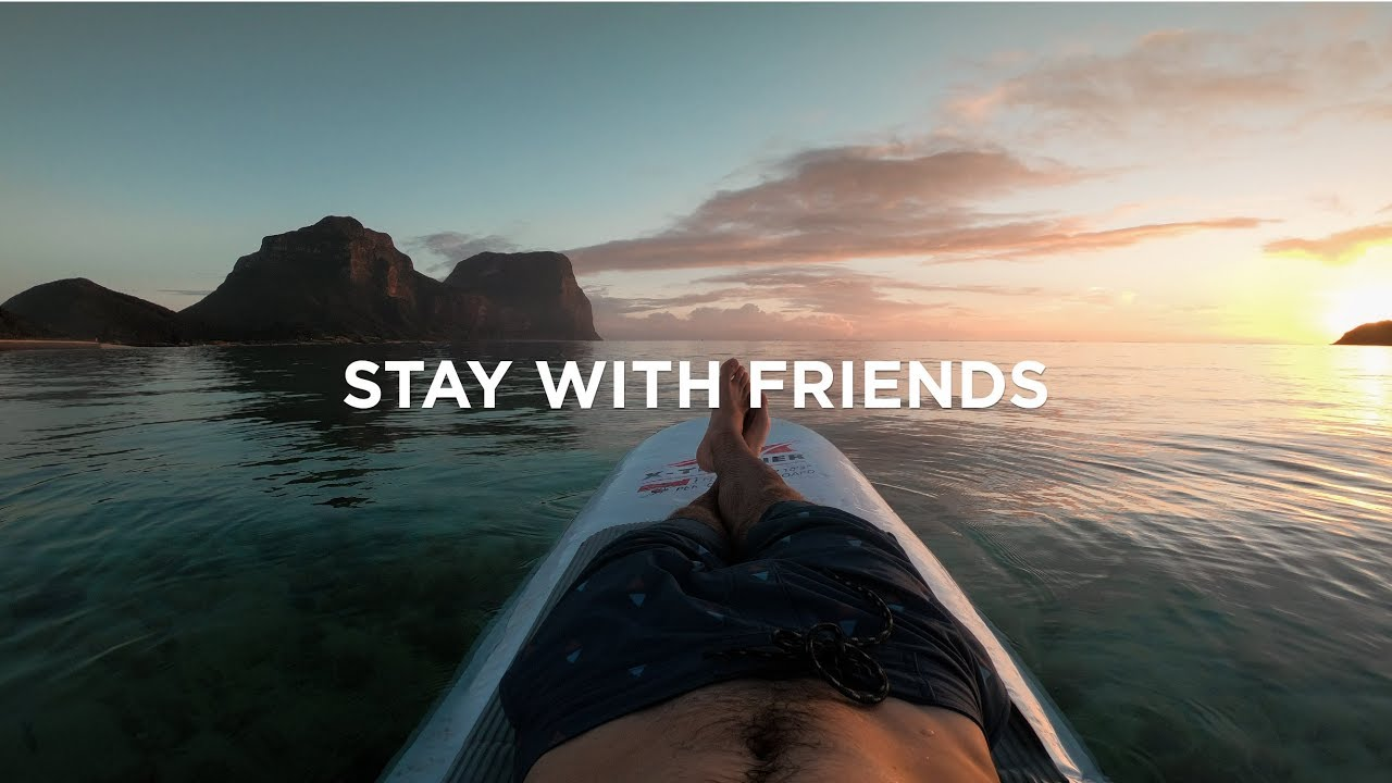 How to TRAVEL THE WORLD FOR FREE staying with friends - Friend Theory