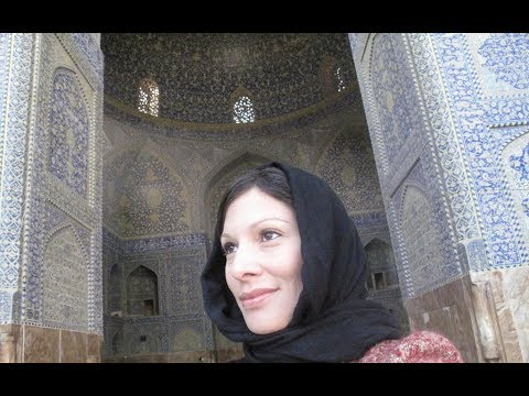 TRAVELING SOLO AND AS A WESTERN WOMAN IN IRAN