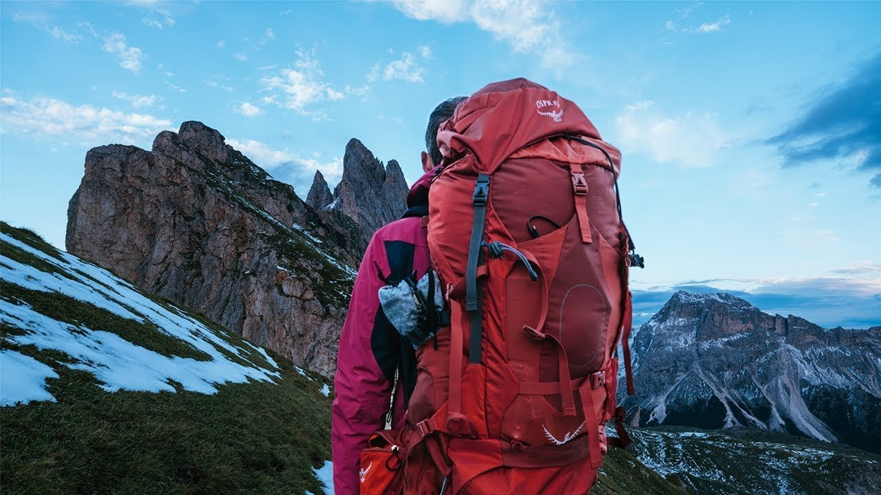 The BEST TRAVEL BACKPACK 2019! - Osprey Farpoint 55L Review