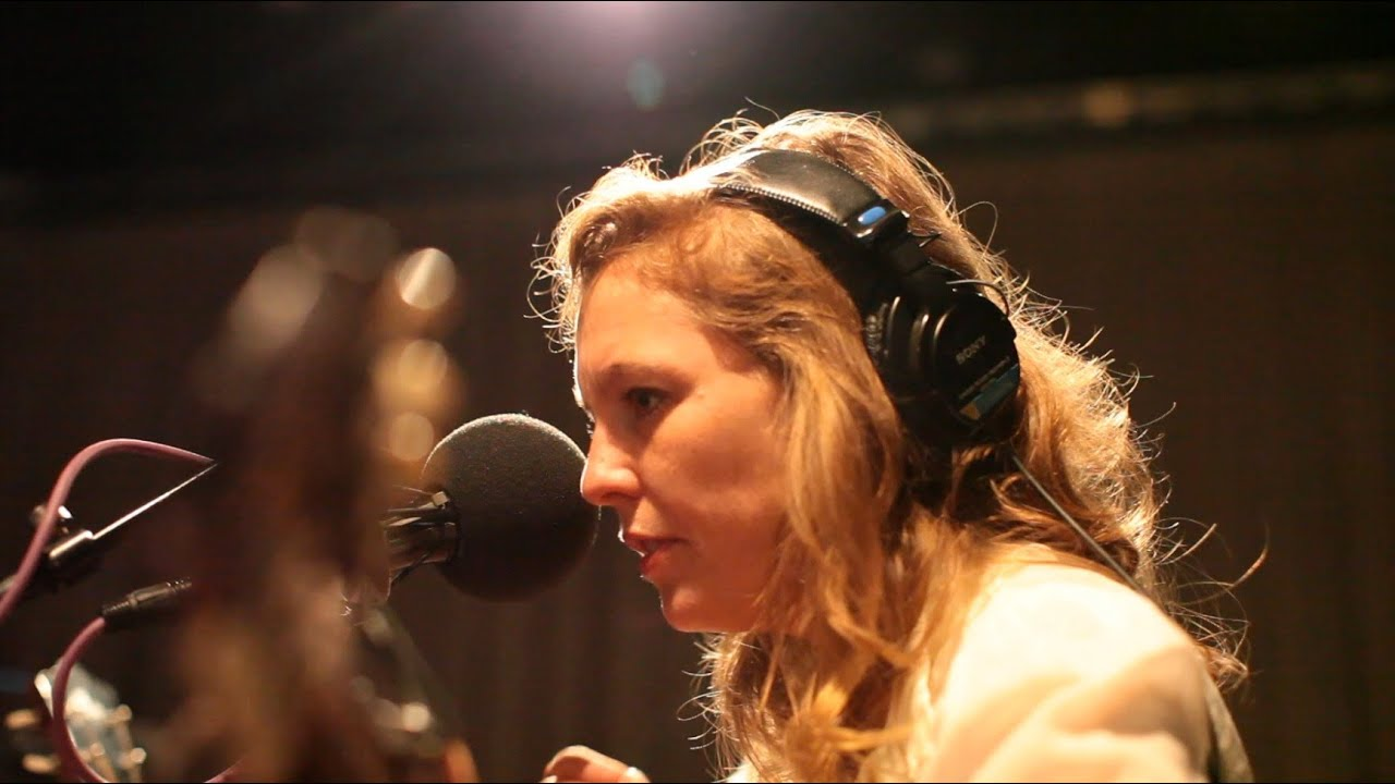 "Tift Merritt: ""Traveling Alone"" Live On Soundcheck"