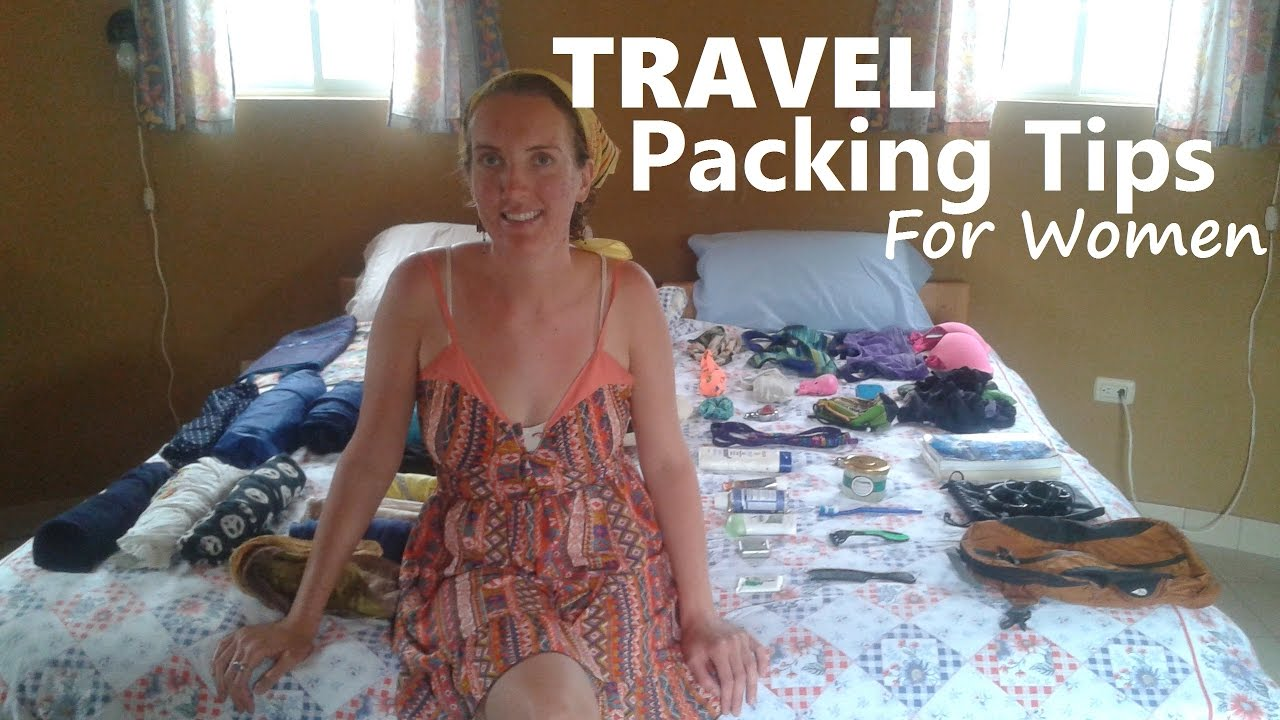 What's in Her Bag? (MINIMALIST TRAVEL PACKING Tips for Women)
